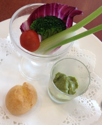 野菜のディップ・アンショワイヤードソースとグジェール