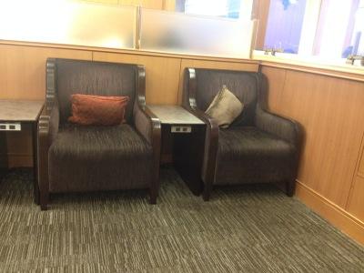 伊丹空港サクララウンジの椅子