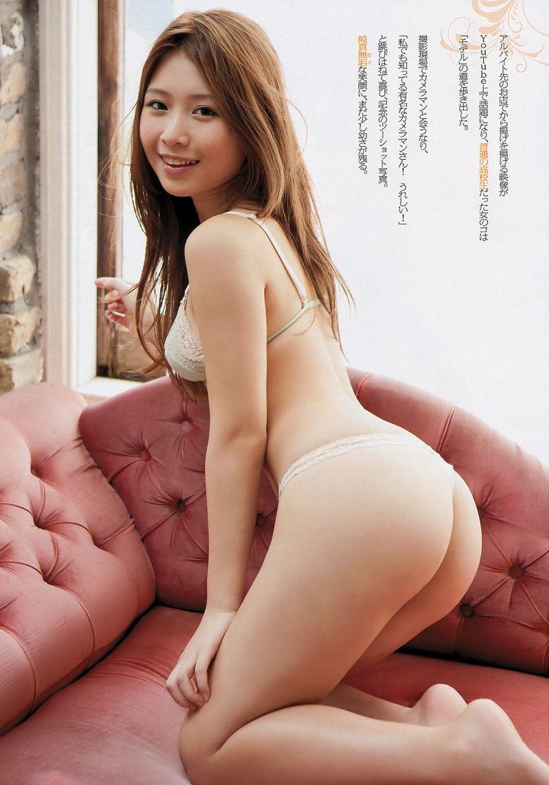 台湾のアイドル・ iLi(イリィ)のTバックグラビア