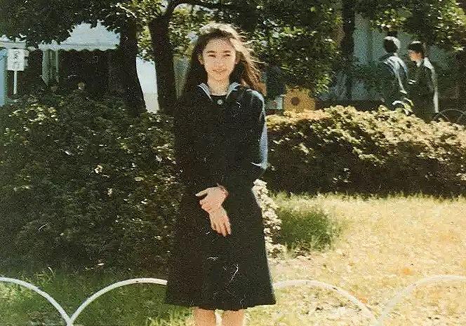 高校時代、セーラー服姿の紀子さま