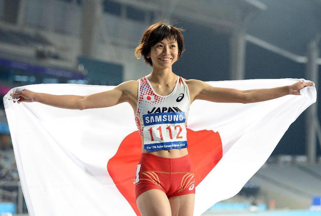 女子陸上ユニフォームを着た木村文子選手