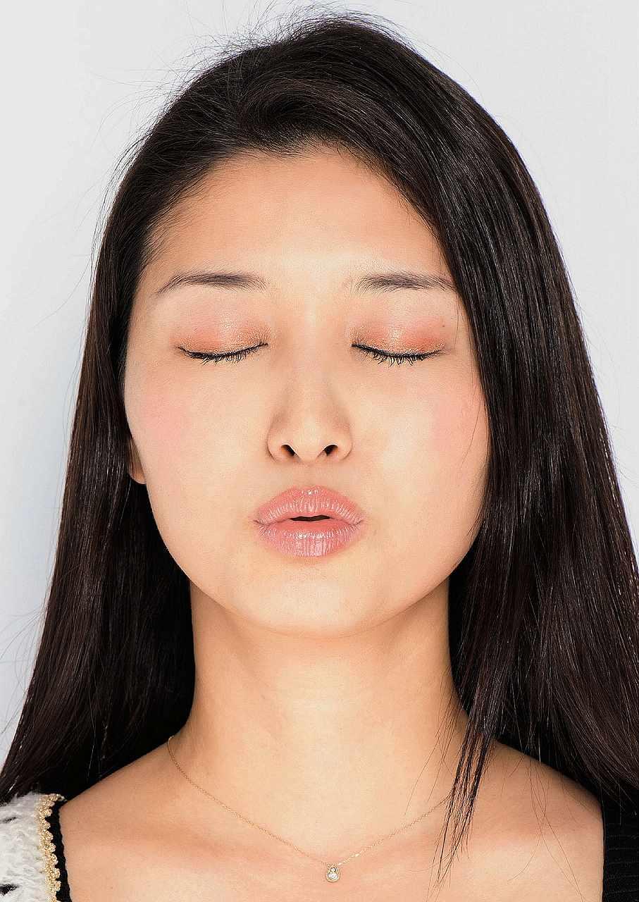 橋本マナミのキス顔