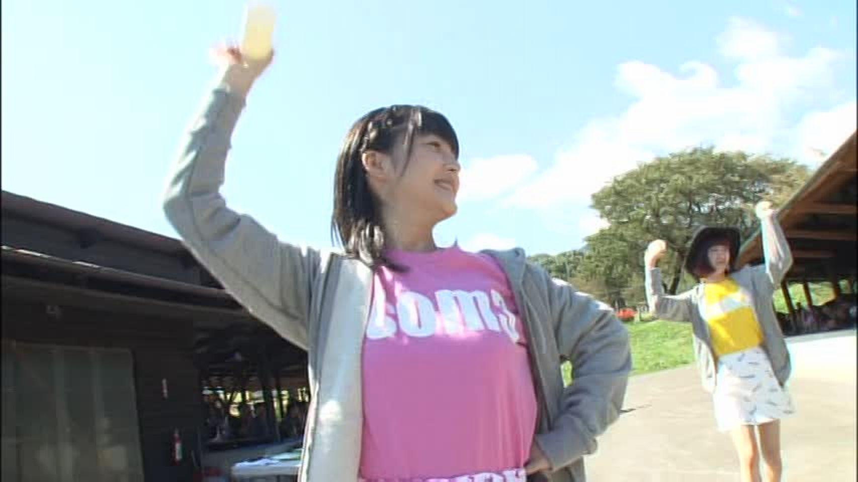 Tシャツを着たももち嗣永桃子の着衣おっぱい