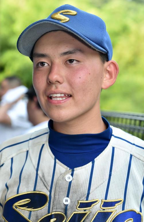 ヒロミと松本伊代の息子、16歳の小園隼輝