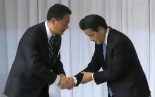 朝鮮式(韓国式)握手+岡田_convert_20150315133914
