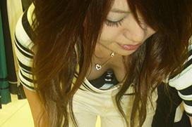 【エロ画像】ムラっとくる素人の胸チラや谷間