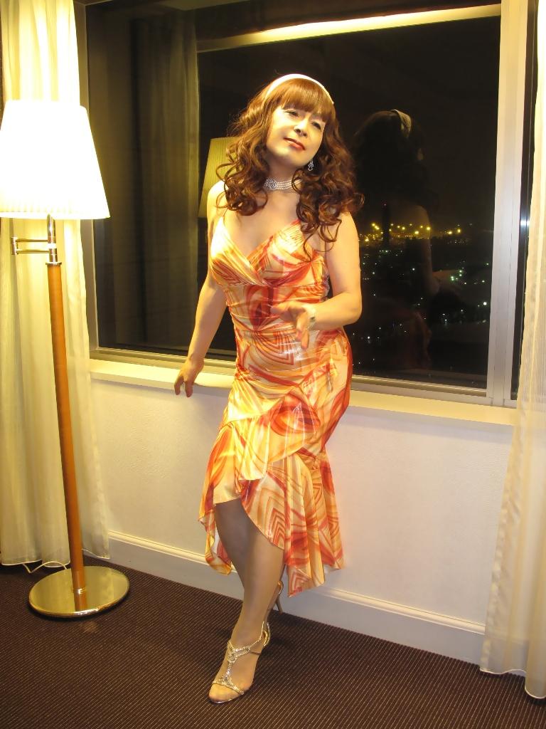 100614オレンジドレス(2)