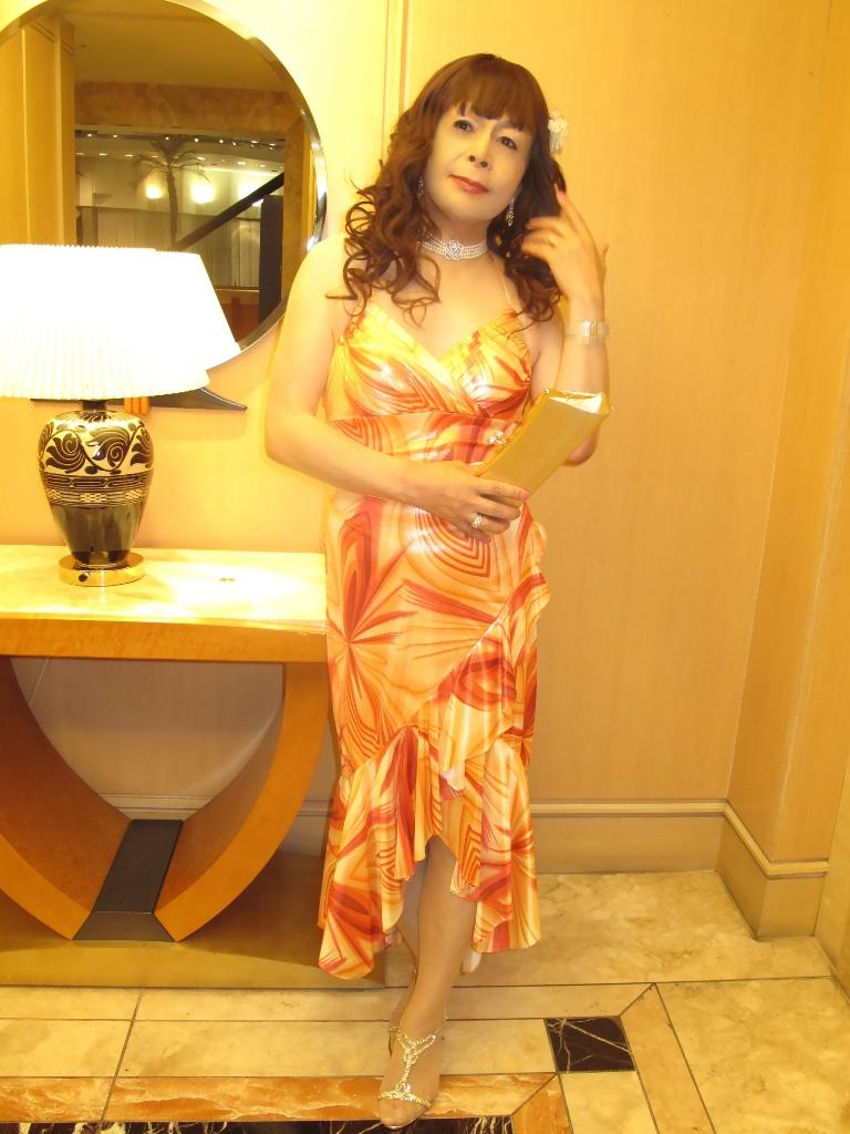 100614オレンジドレス(3)
