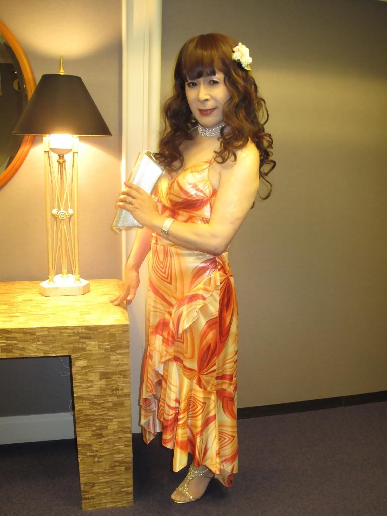 100614オレンジドレス(4)
