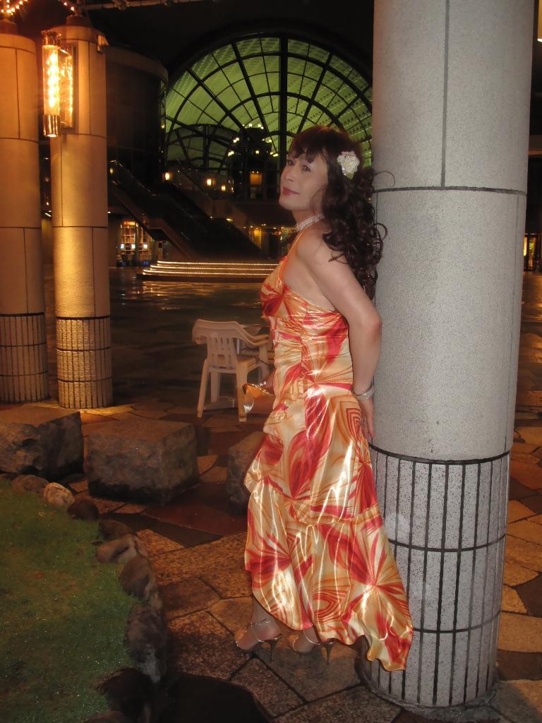 100614オレンジドレス(6)
