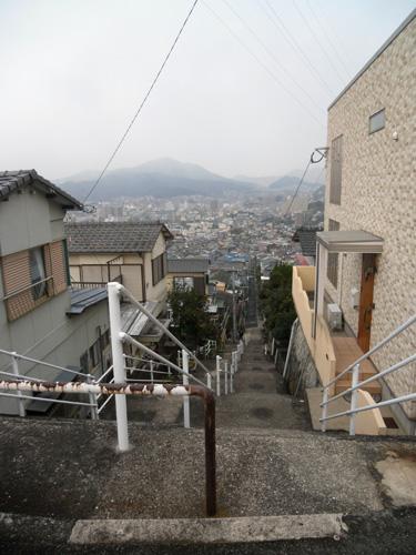 いつもの階段&坂道ね。