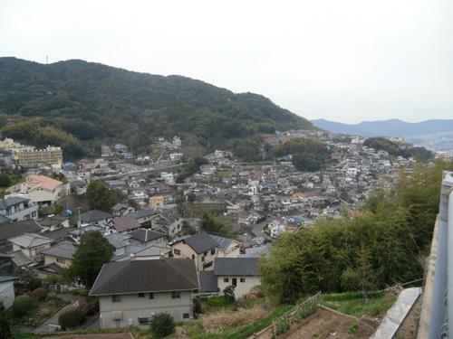 斜面に家が並ぶ姿こそ長崎。