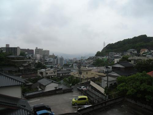 朝は雨で・・・、