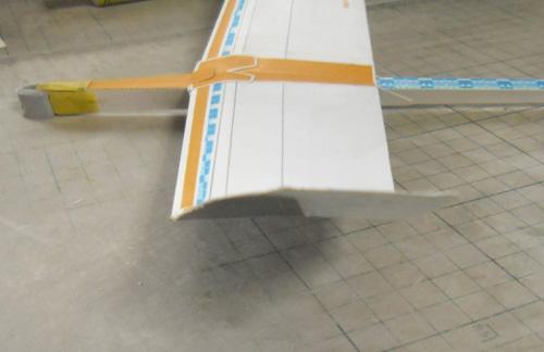 旧型の翼端は・・・、