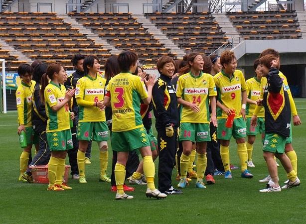 千葉Lは、チーム一丸で走るサッカーを展開。