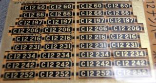 レボリューションファクトリーのC12ナンバープレート