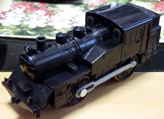 シールを剥がした単品のC12蒸気機関車