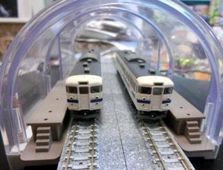 車両を置いてみたトンネル内のミニホーム