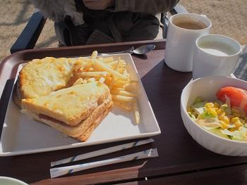 SAFFRON'S CAFEで朝食を2