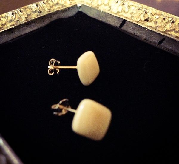 accessories_024_pierced_earrings.jpg
