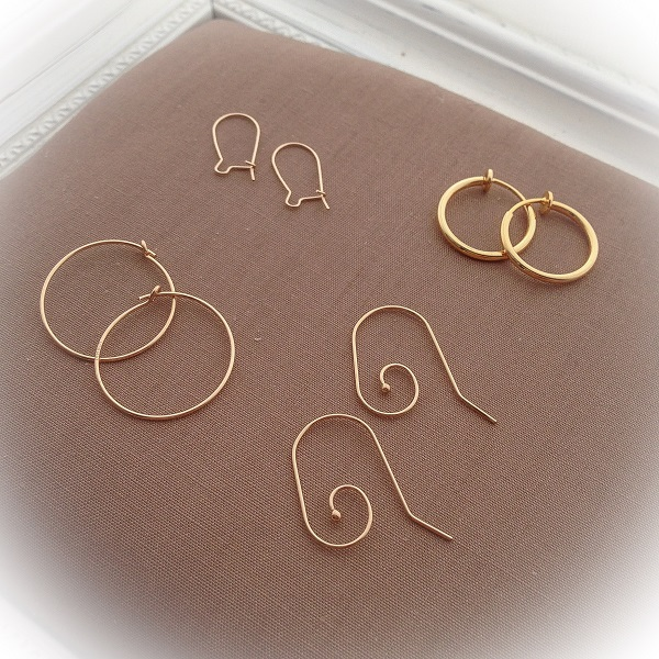 accessories_028a_pierced_earrings.jpg