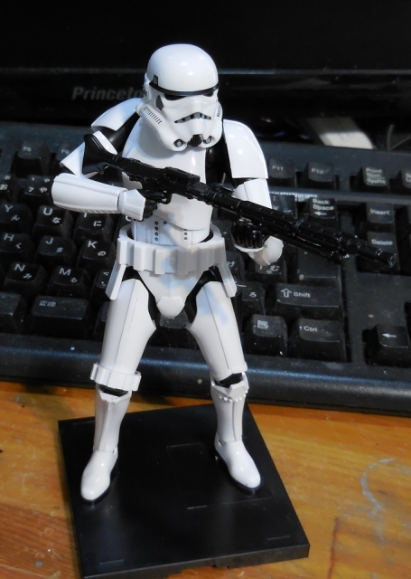 SW_StormTrooper_08.jpg