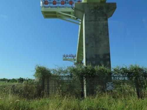 南ぬ島 石垣空港 誘導灯橋