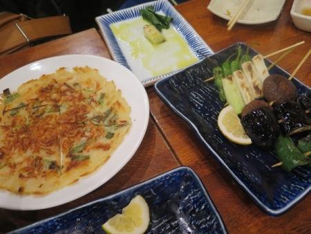 海老とにらのチヂミと野菜串盛り合わせ