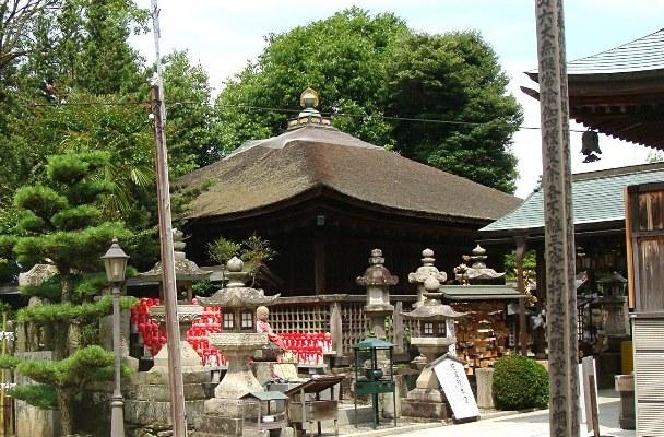 弥勒仏像が祀られている慈尊院・弥勒堂