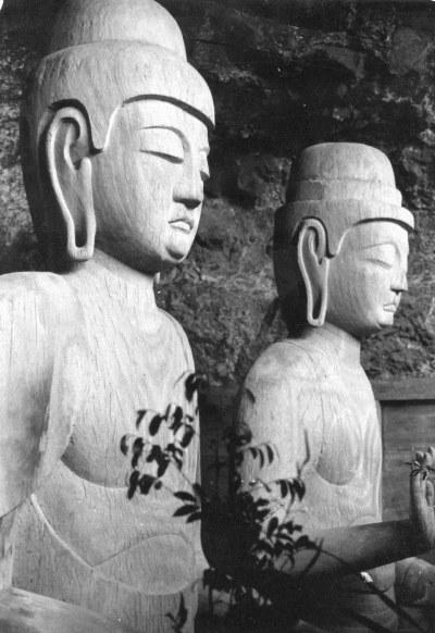 昭和47年(1972)当時撮影の龍岩寺三尊像