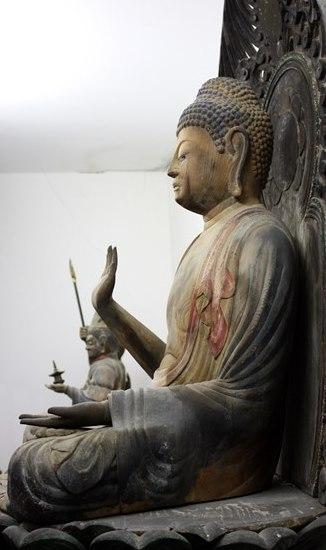 平等寺・釈迦如来坐像