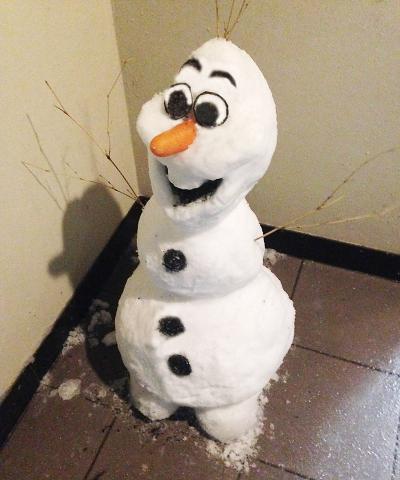 本社雪だるま