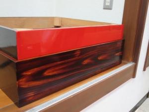 W800Q75_吹き漆で仕上げた木目を強調した作品