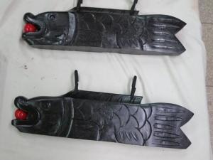 W800Q75_吹き漆で修理した大井ビルの魚板(禅寺などで使われた時を知らせる魚鼓)
