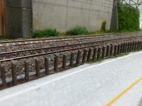 鉄道柵の完成・取付1