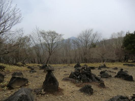 賽の河原から前袈裟丸山