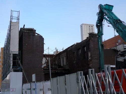 旧ホルスタイン会館 解体風景