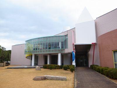芦屋市立美術博物館建物