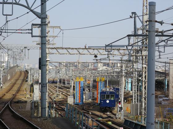 阪神電車-虎ラッピング02