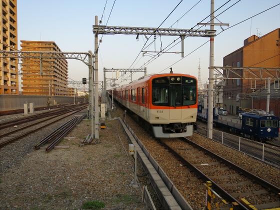 阪神電車-虎ラッピング25