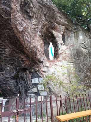 ルルドの洞窟003