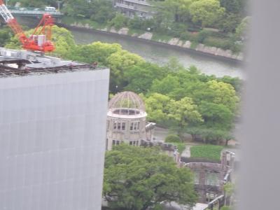 ホテルから見える原爆ドーム