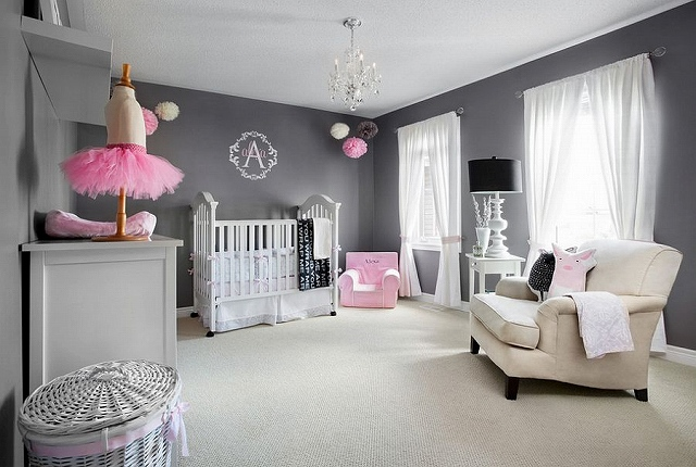 A-nursery-backdrop-that-allows-the-room-to-grow-with-your-little-one.jpg