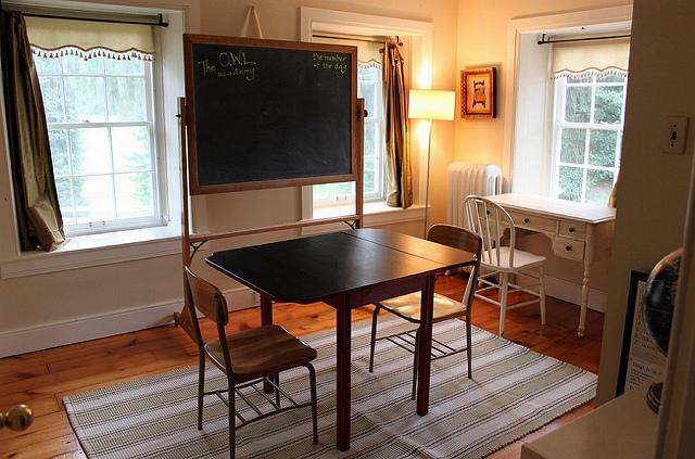 A-simple-chalkboard-for-the-farmhouse-style-office.jpg