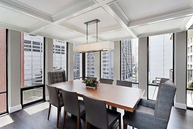 Ceiling-brings-an-interesting-dynamic-to-the-dining-room.jpg