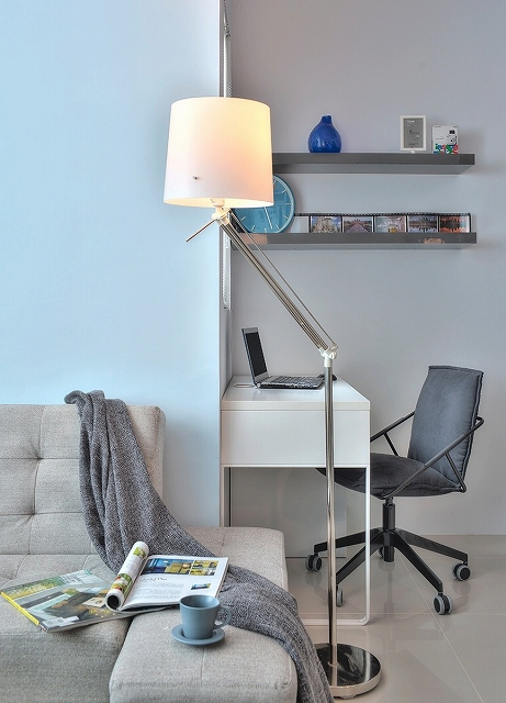 Cloud-Pen-Studio-apartment-floor-lamp.jpg