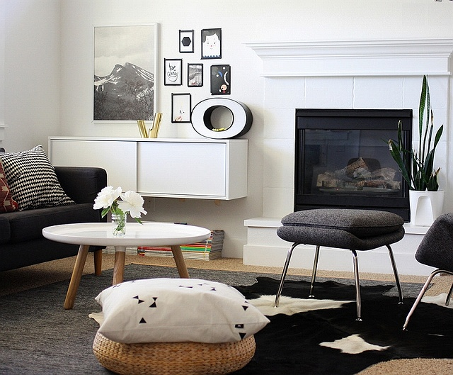 Contrasting-textures-bring-a-hint-of-playfulness-to-the-black-and-white-room.jpg