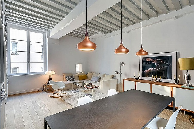Copper-pendants-add-metallic-magic-to-the-lovely-bachelor-pad.jpg
