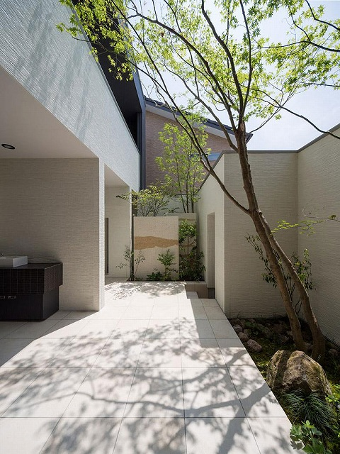 Courtyard7.jpg