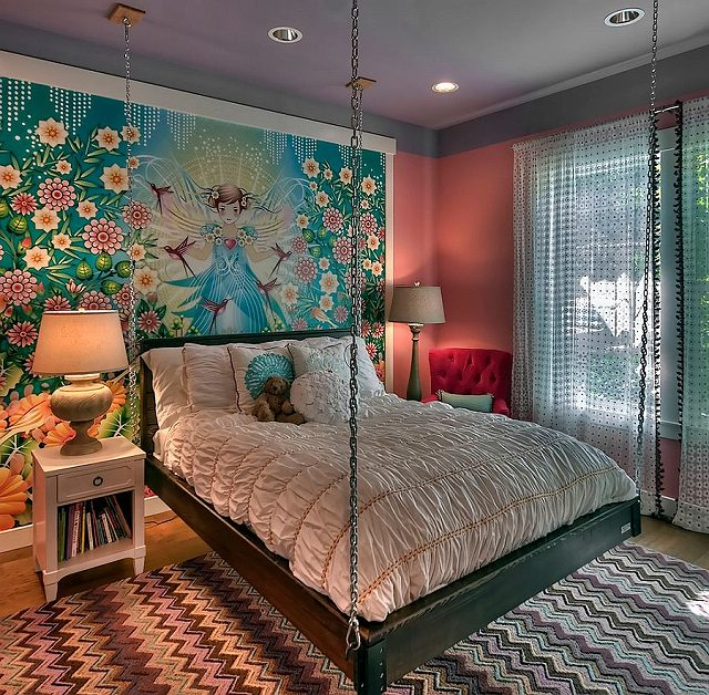 Custom-wall-mural-and-hanging-bed-create-an-ingenious-girls-bedroom_201503190824060bb.jpg